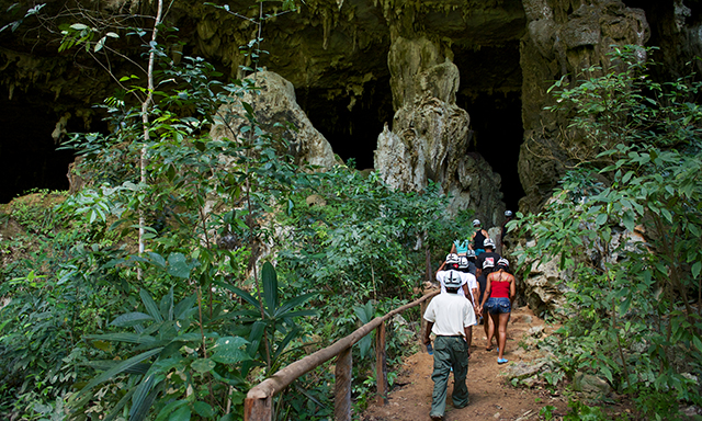 walking-to-cave-bef3-mosaic